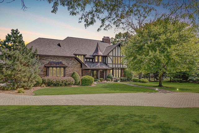 11 Corey Drive, South Barrington, Illinois