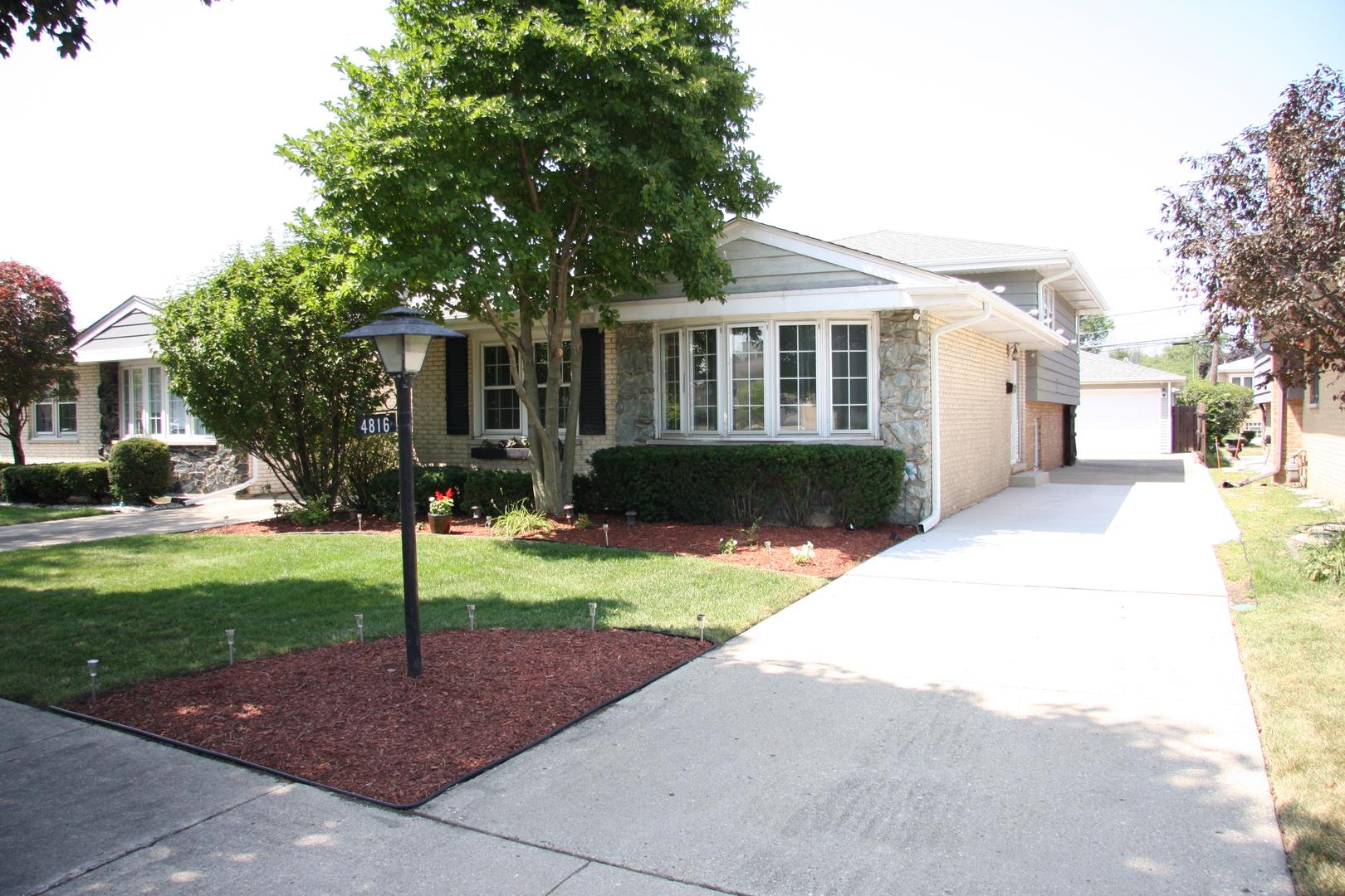 4816 North Leonard Drive Norridge, IL 60706