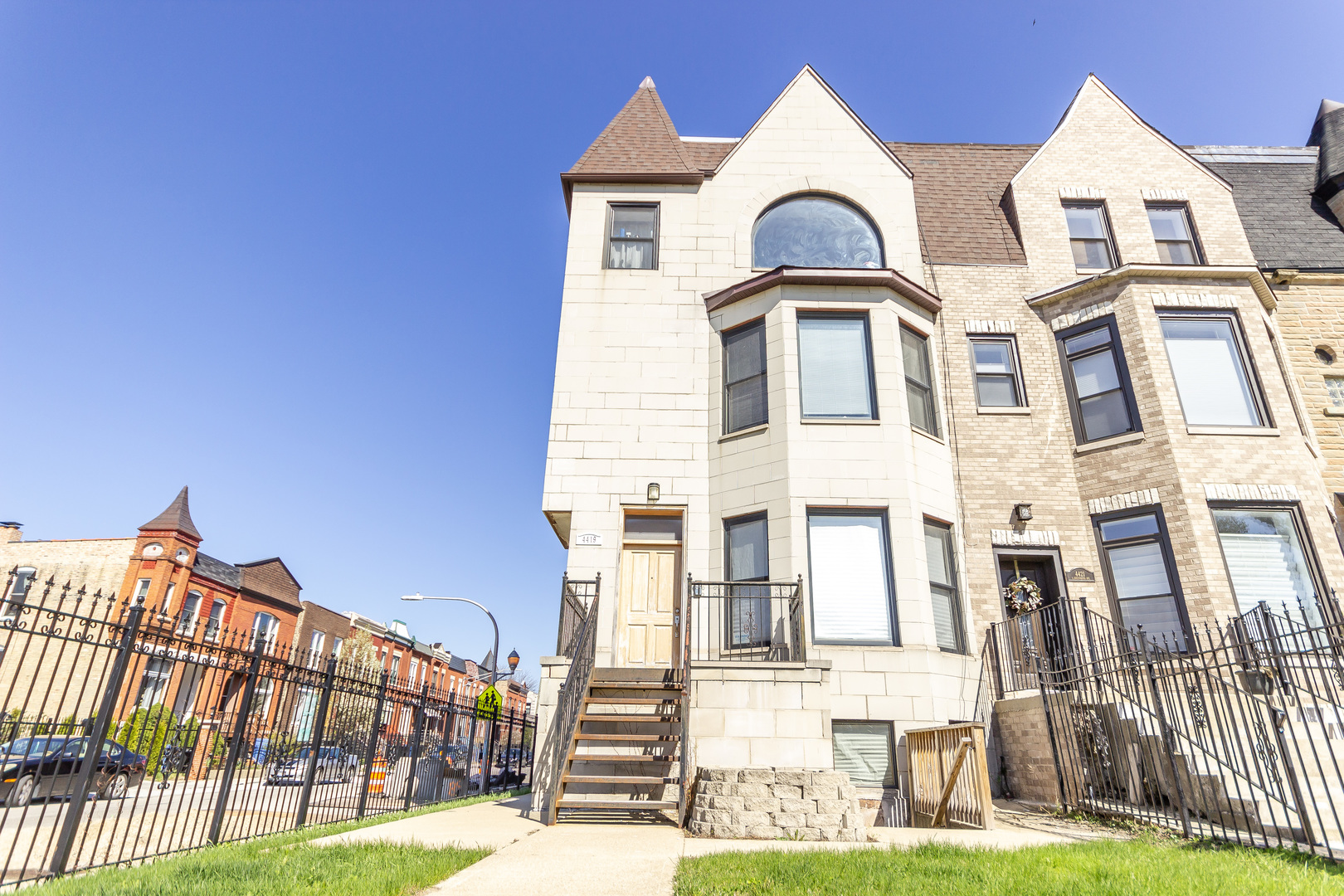 4419 South Greenwood Street Chicago, IL 60653