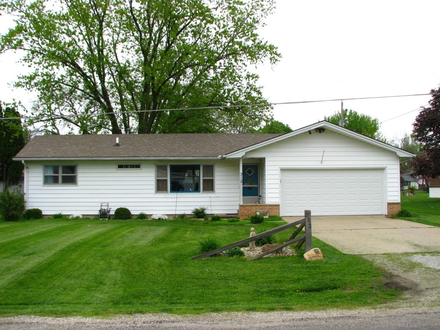 312 Forest Avenue Atwood, IL 61913