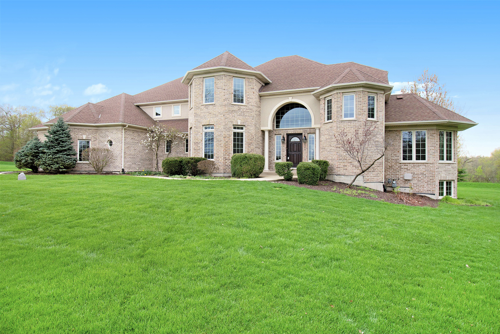 5500 Half Hollow Court, Oswego, Illinois