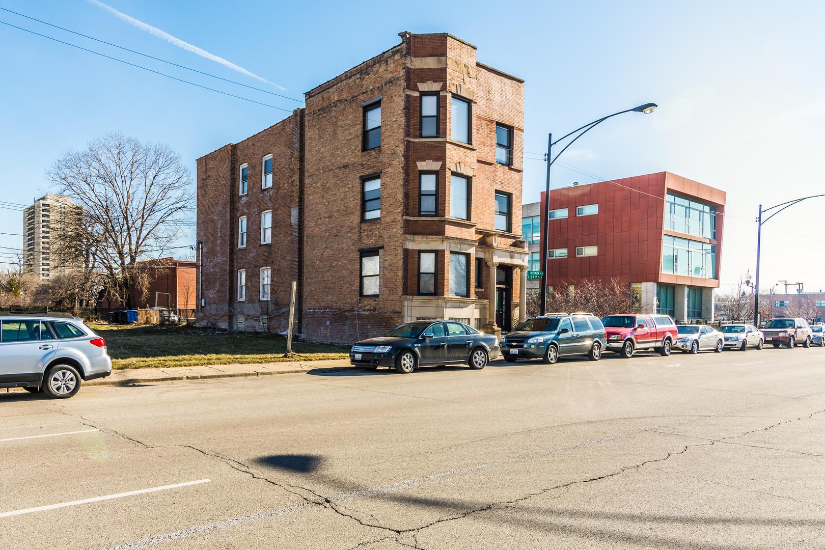 3733 South Indiana Avenue Chicago, IL 60653