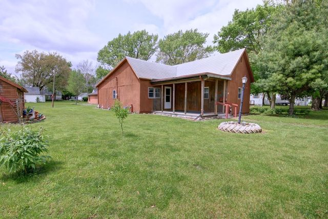 109 North Wisconsin Street Atwood, IL 61913