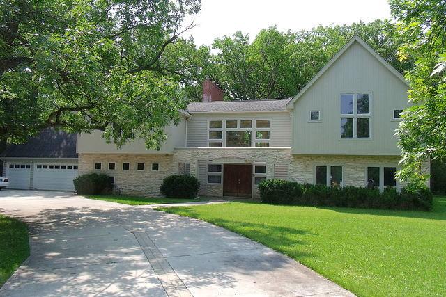 919 Northwoods Road Deerfield, IL 60015