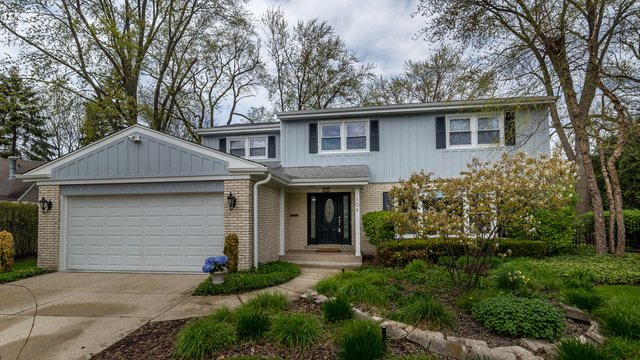 104 Hollywood Court Wilmette, IL 60091