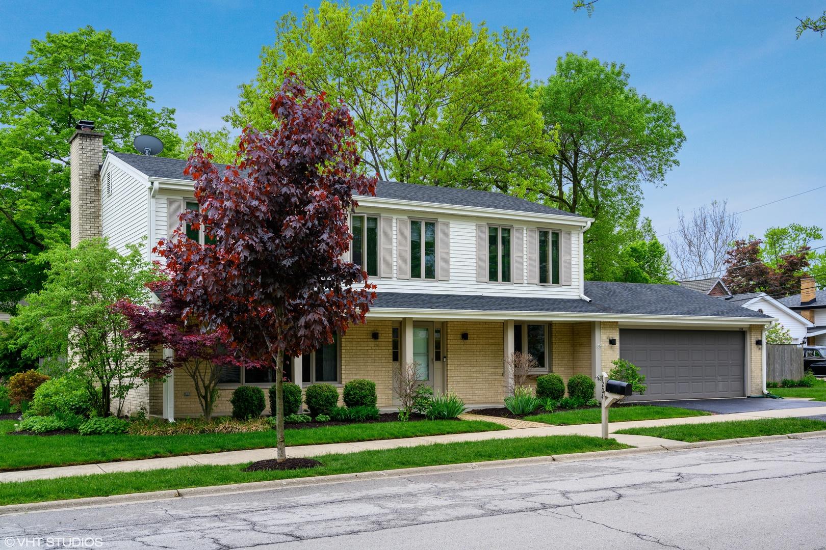 1204 Highland Lane, Glenview, Illinois