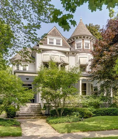 1039 Forest Avenue, Evanston, Illinois 7 Bedroom as one of Homes & Land Real Estate