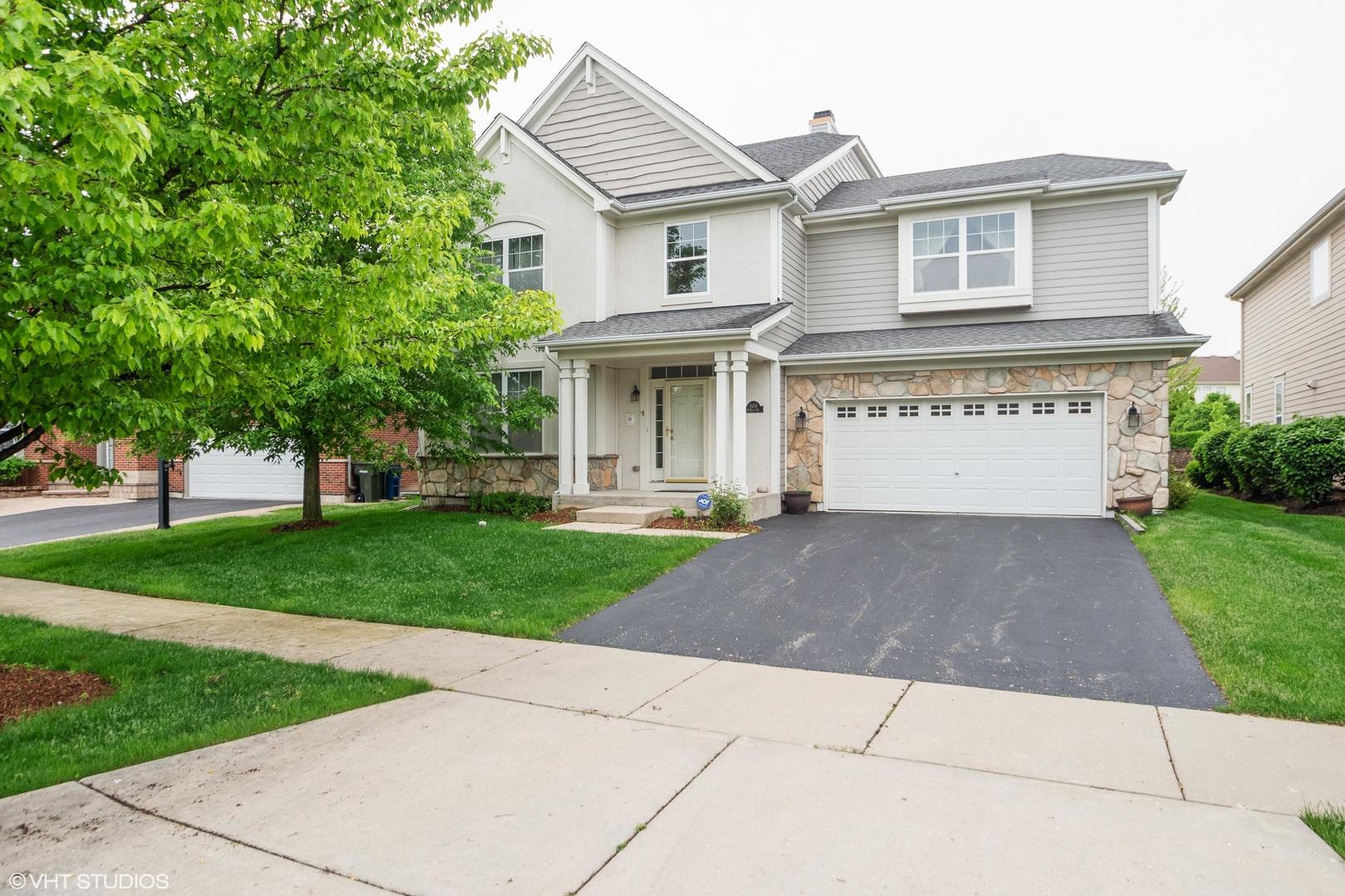 1658 North Woods Way Vernon Hills, IL 60061