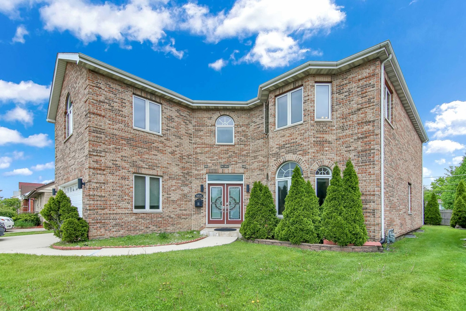 6814 West Oakton Street, Niles, Illinois