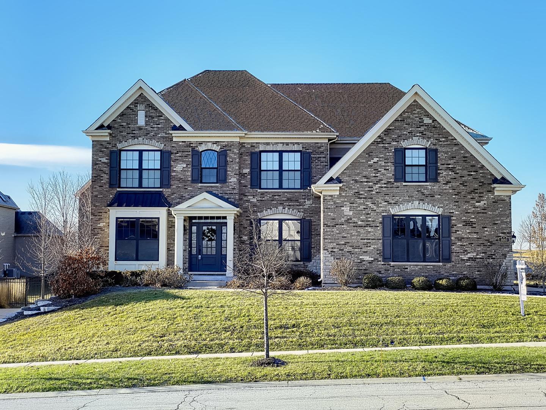 3683 Heathmoor Drive, Elgin, Illinois