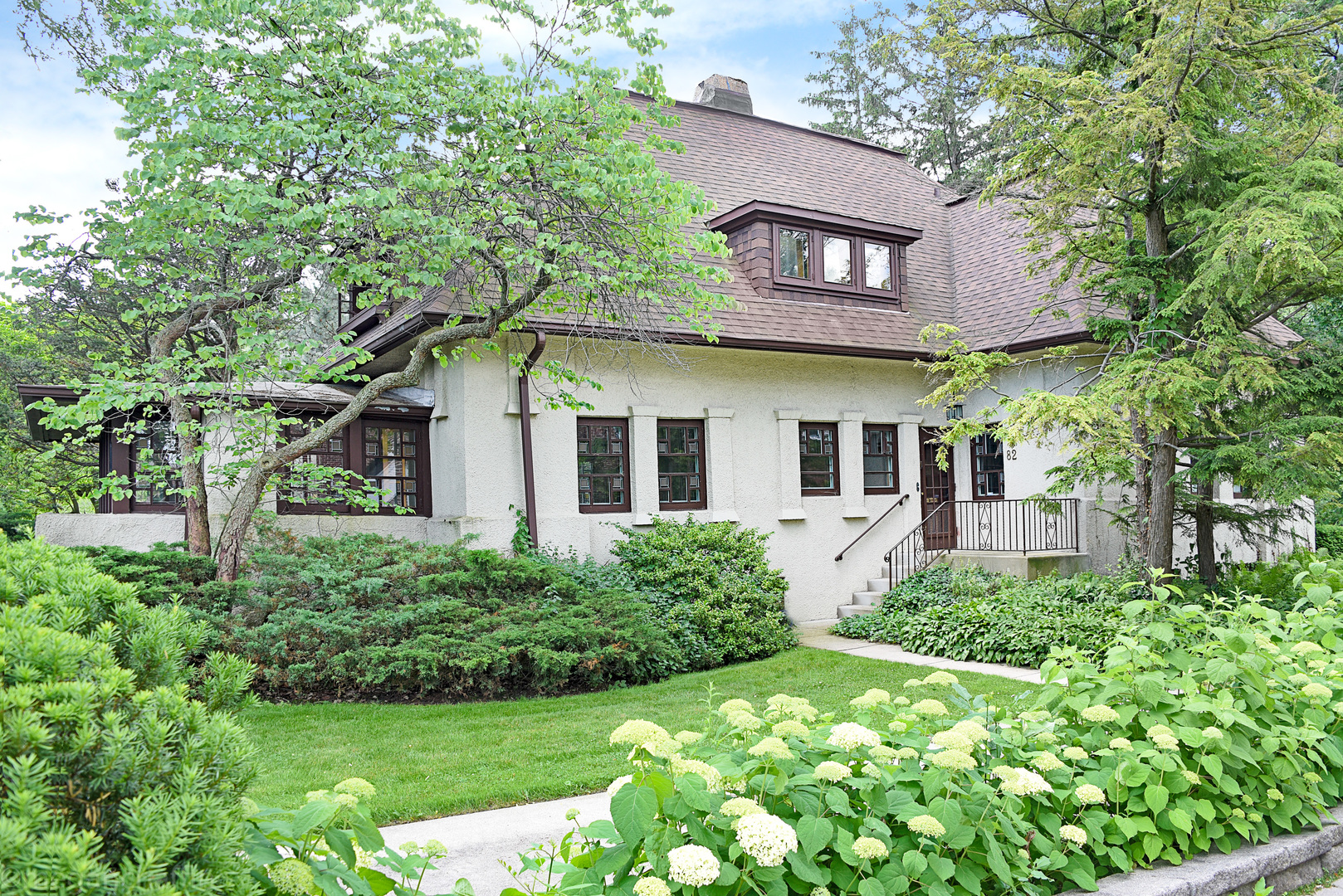 82 Essex Road, Winnetka in Cook County, IL 60093 Home for Sale
