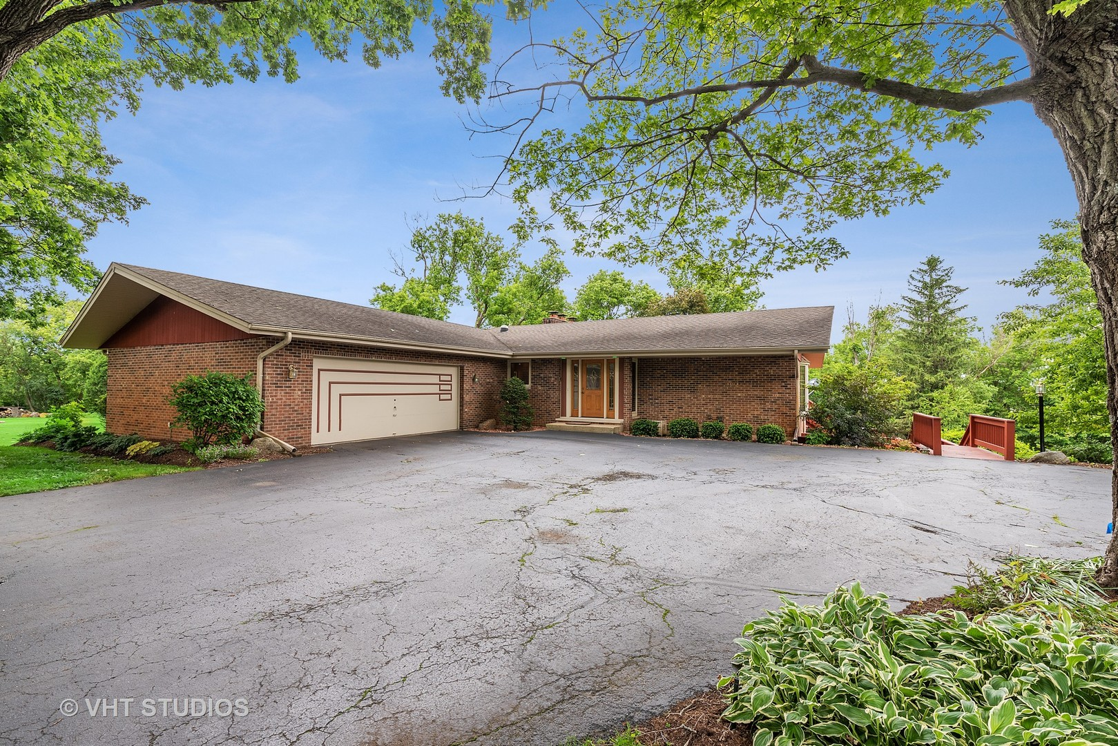 4604 Oak Crest Road, Crystal Lake, Illinois