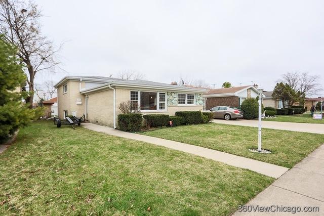 7045 North Hamlin Avenue Lincolnwood, IL 60712