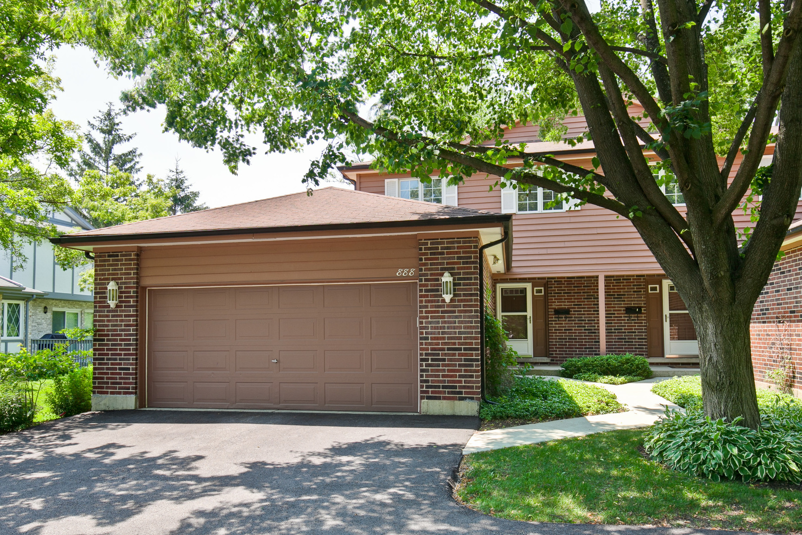 888 POPLAR Lane, Deerfield, Illinois