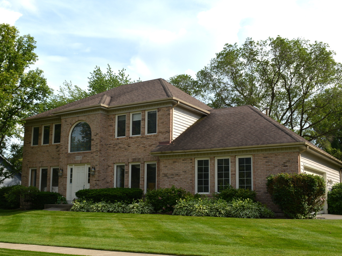 6608 Greene Road, Woodridge, Illinois