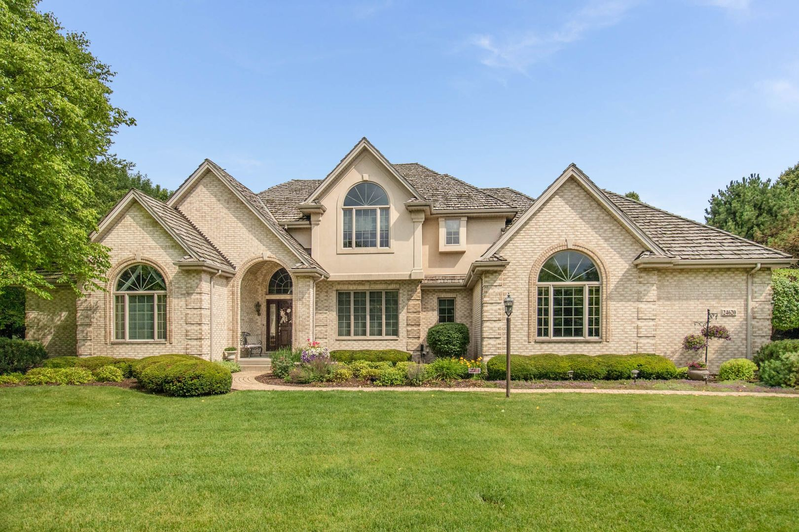 24620 West Manor Drive, Shorewood, Illinois