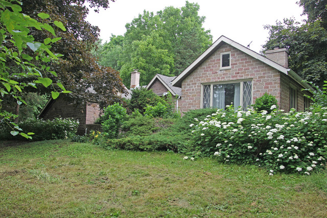 17465 Brookhill Road, Libertyville, Illinois