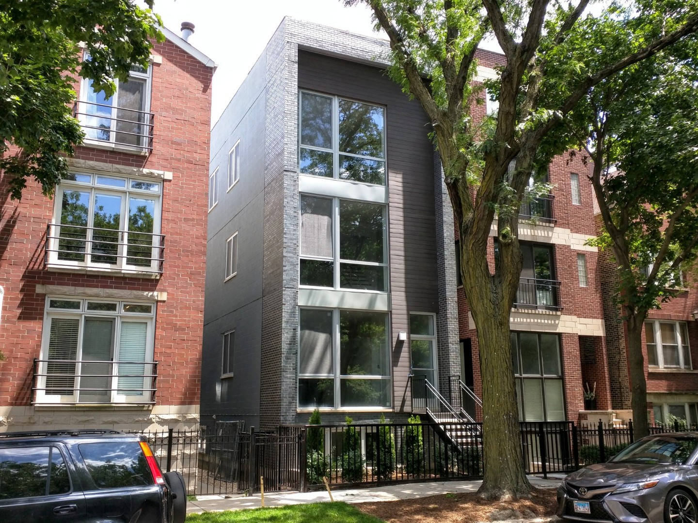 One of Logan Square 4 Bedroom Homes for Sale at 2331 North Leavitt Street