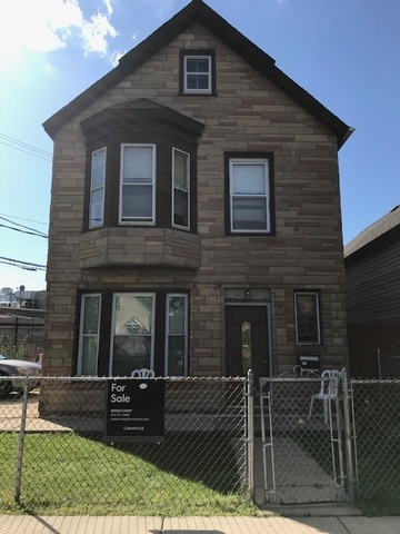 2440 North Richmond Street, one of homes for sale in Logan Square