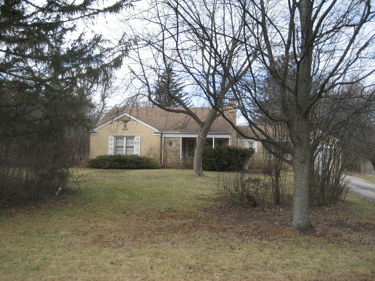 600 Spring Road, one of homes for sale in Glenview