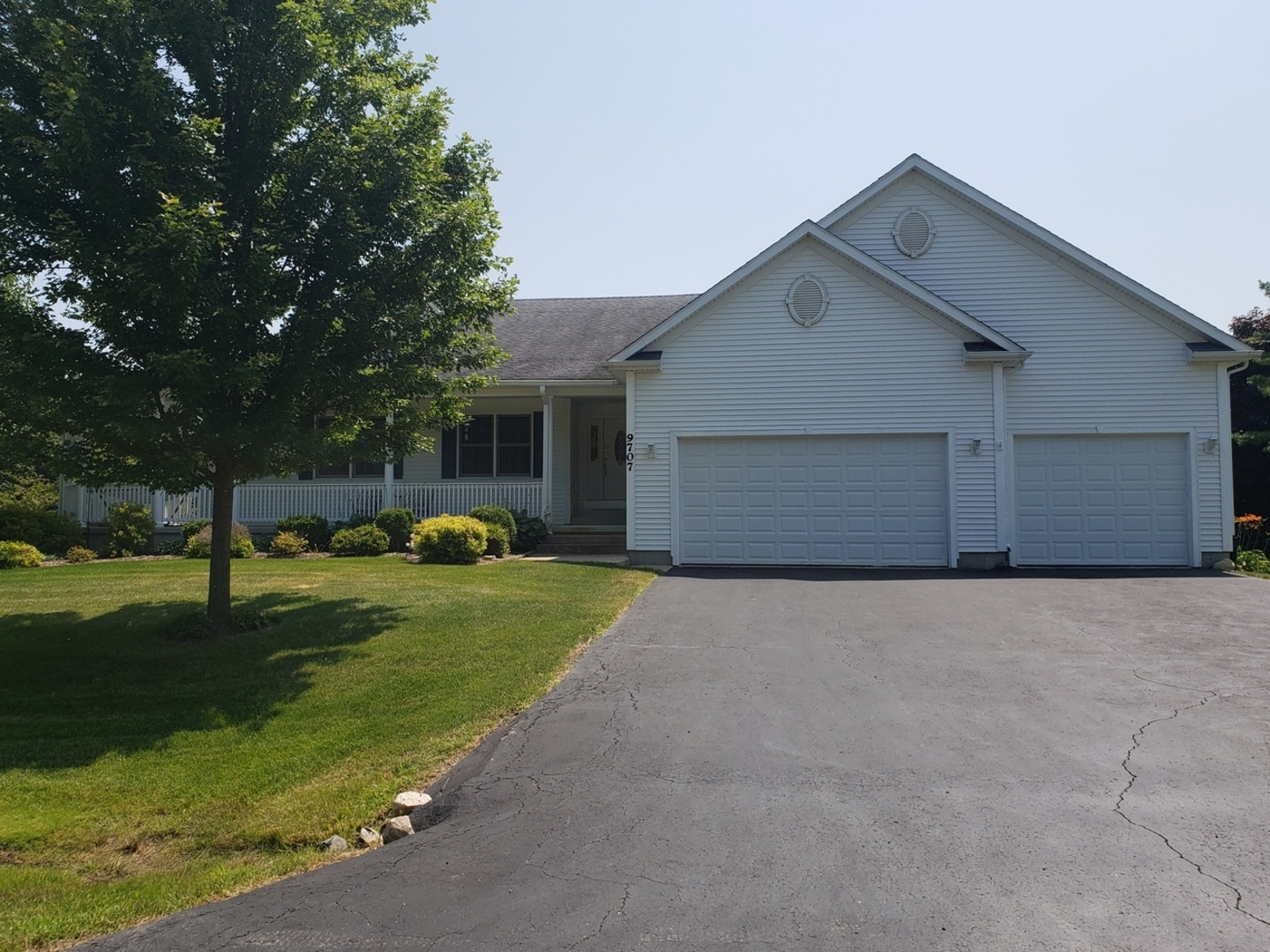 9707 BEECH Avenue, Crystal Lake, Illinois