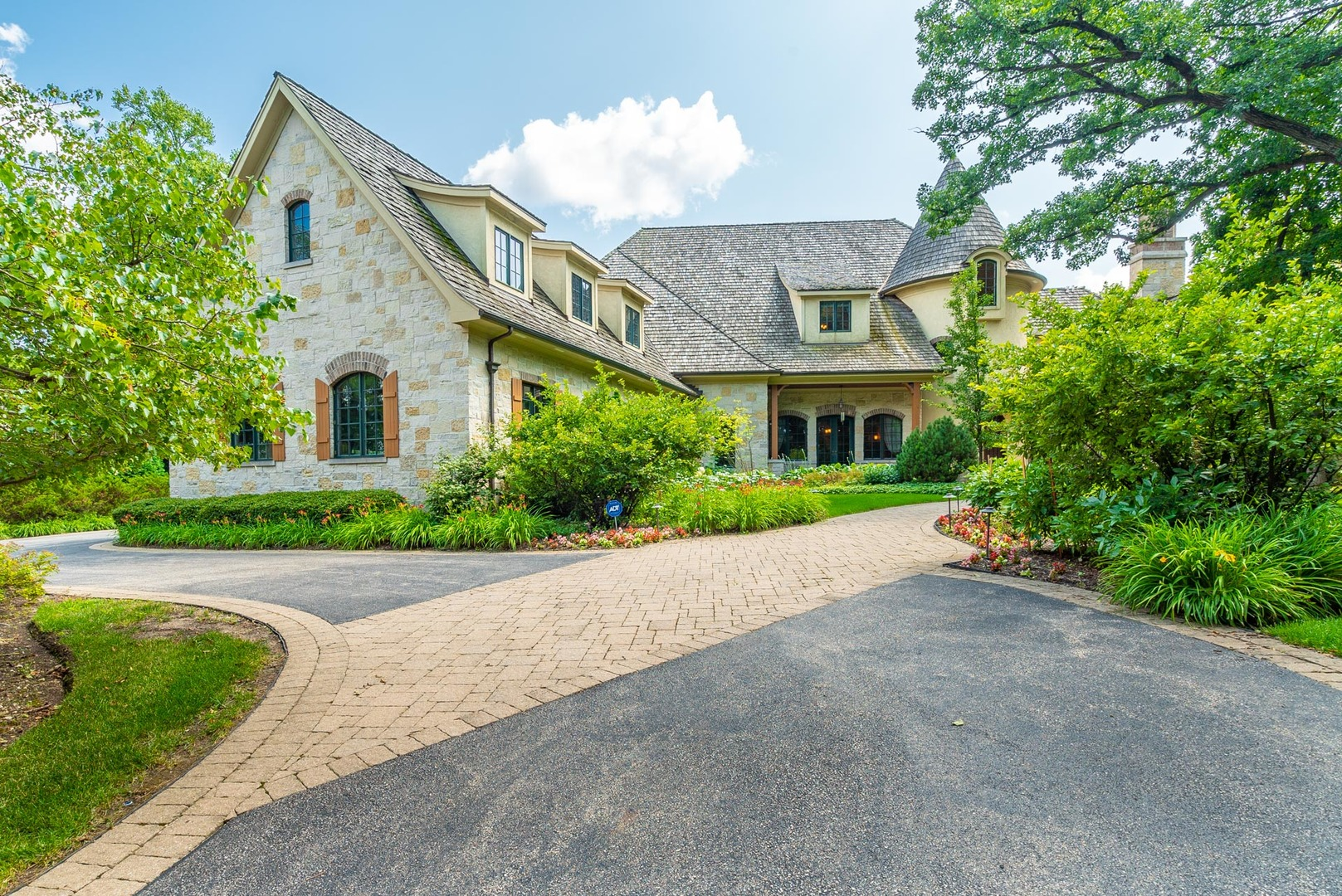73 HAWTHORNE Road, South Barrington, Illinois 4 Bedroom as one of Homes & Land Real Estate