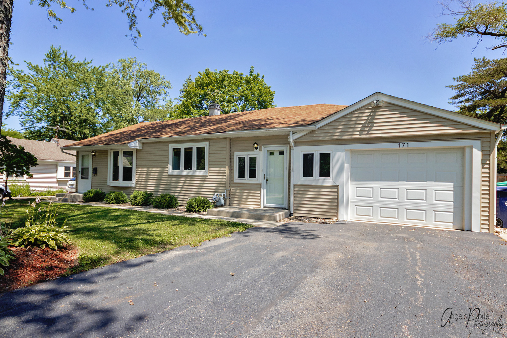 171 Pine Tree Row, Lake Zurich, Illinois