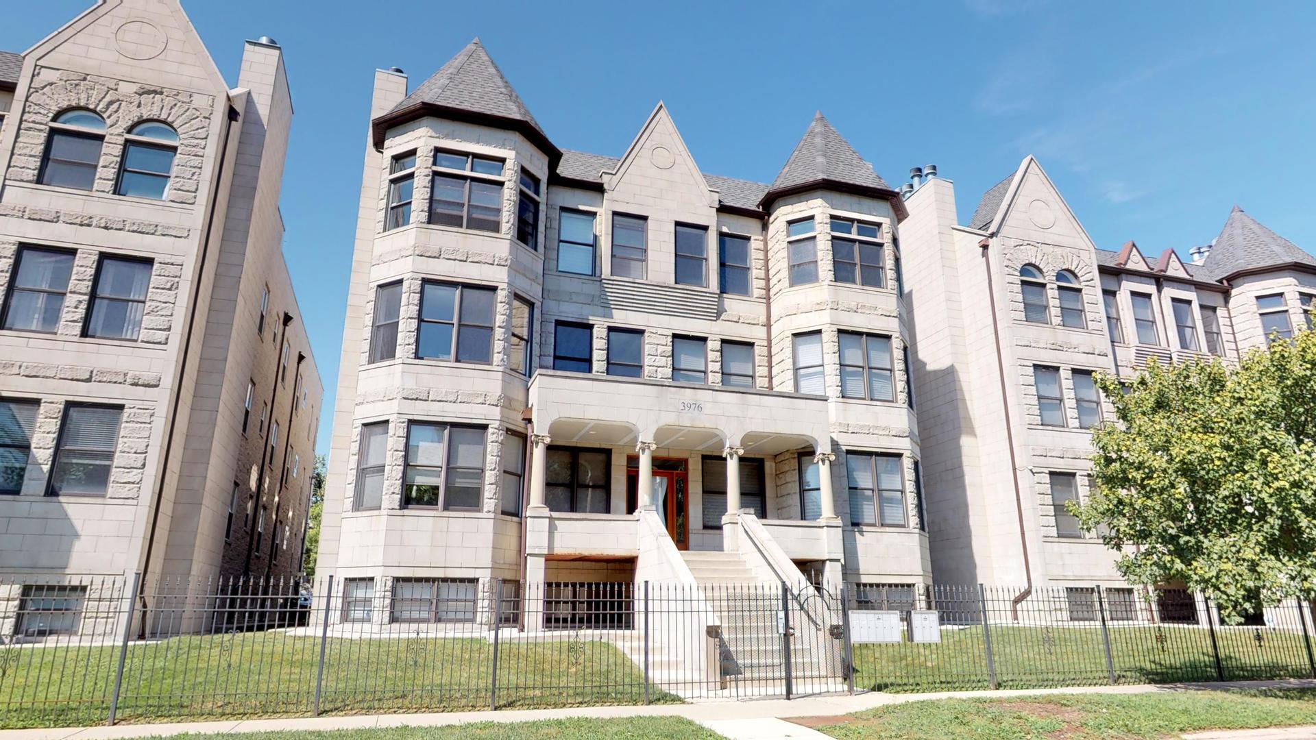 3976 South Ellis Avenue, Kenwood, Illinois