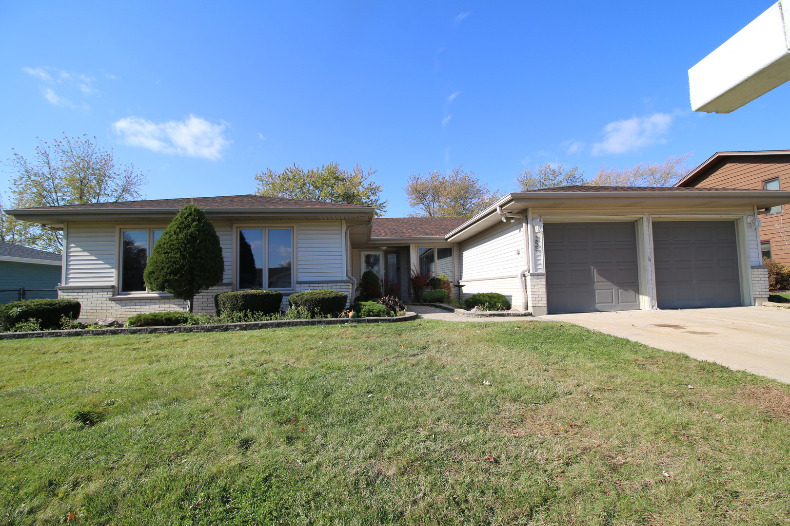 258 Crestwood Lane, Bloomingdale in Du Page County, IL 60108 Home for Sale