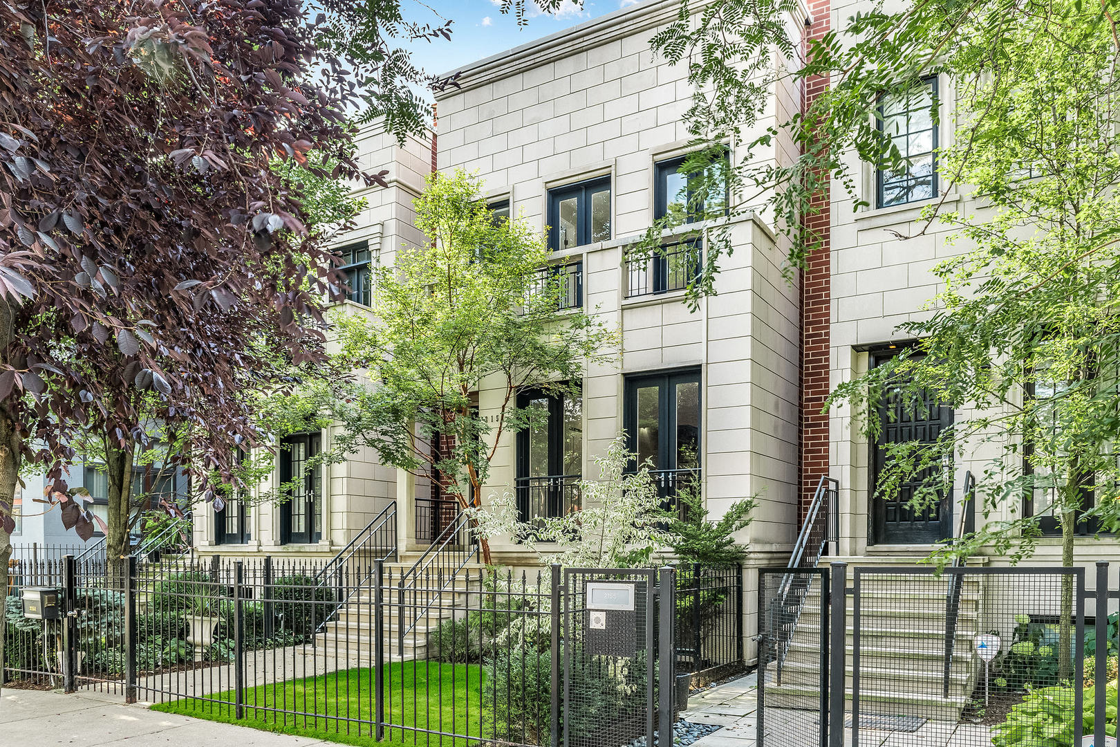 2151 West Huron Street, Chicago-Near West Side, Illinois