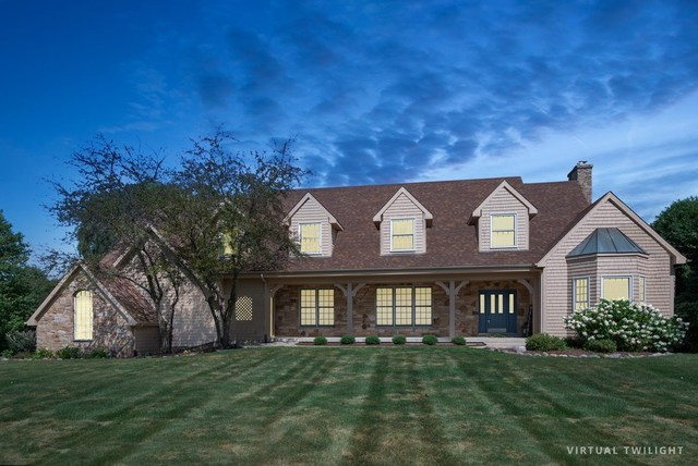 6801 Colonel Holcomb Drive, Crystal Lake, Illinois