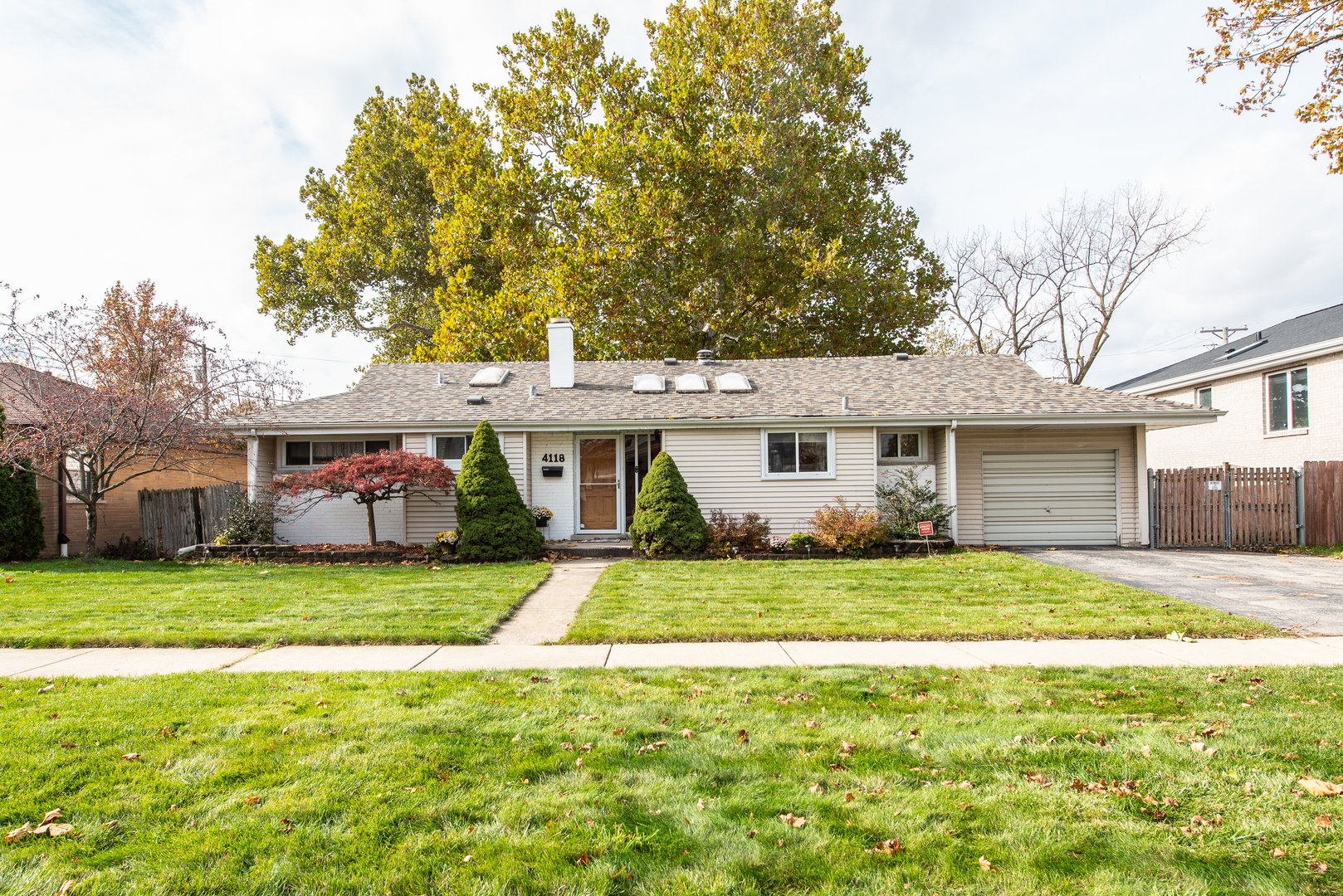 One of Brookfield 3 Bedroom Homes for Sale at 4118 Dubois Boulevard