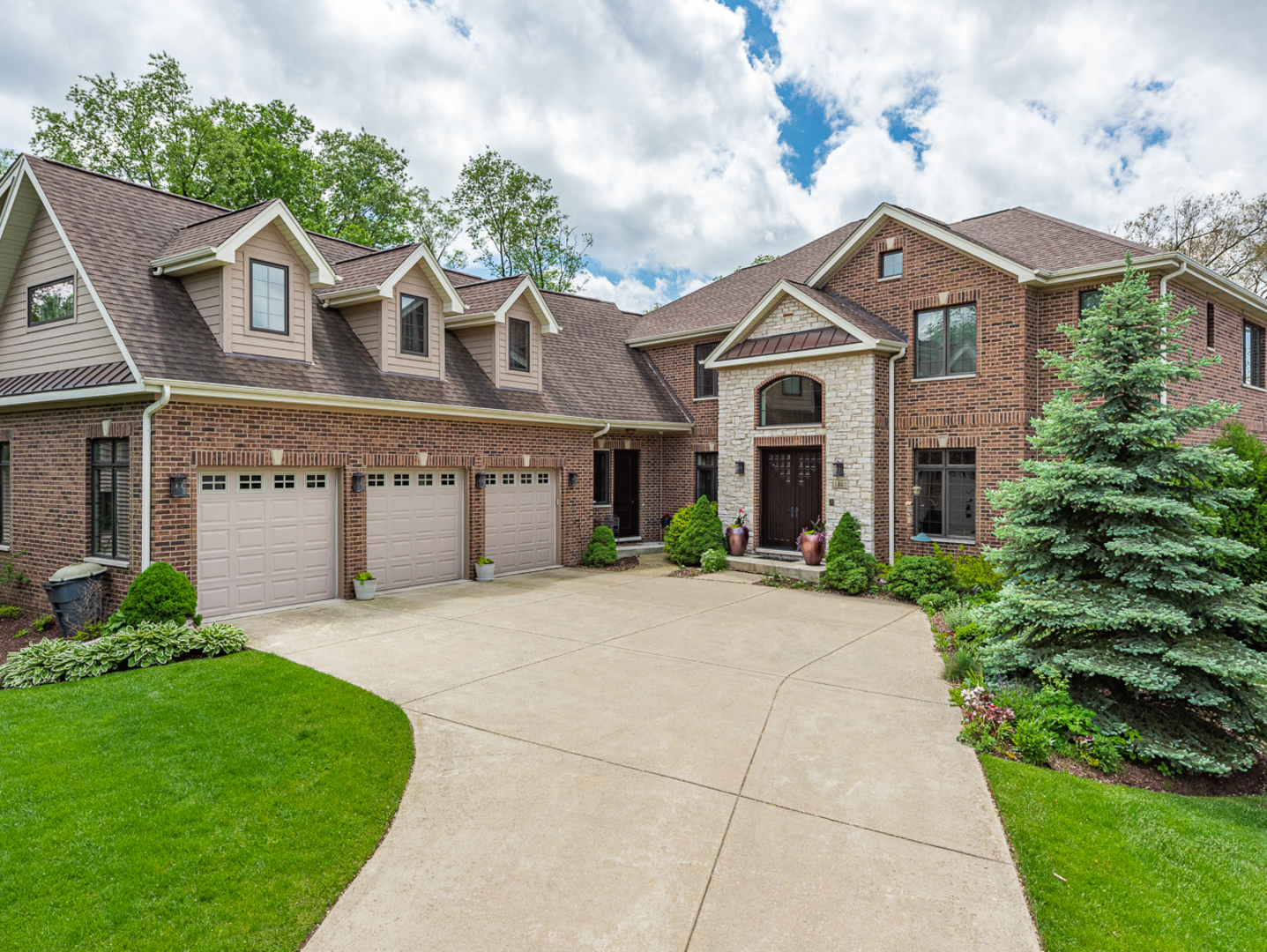 1441 Parrish Court, one of homes for sale in Downers Grove