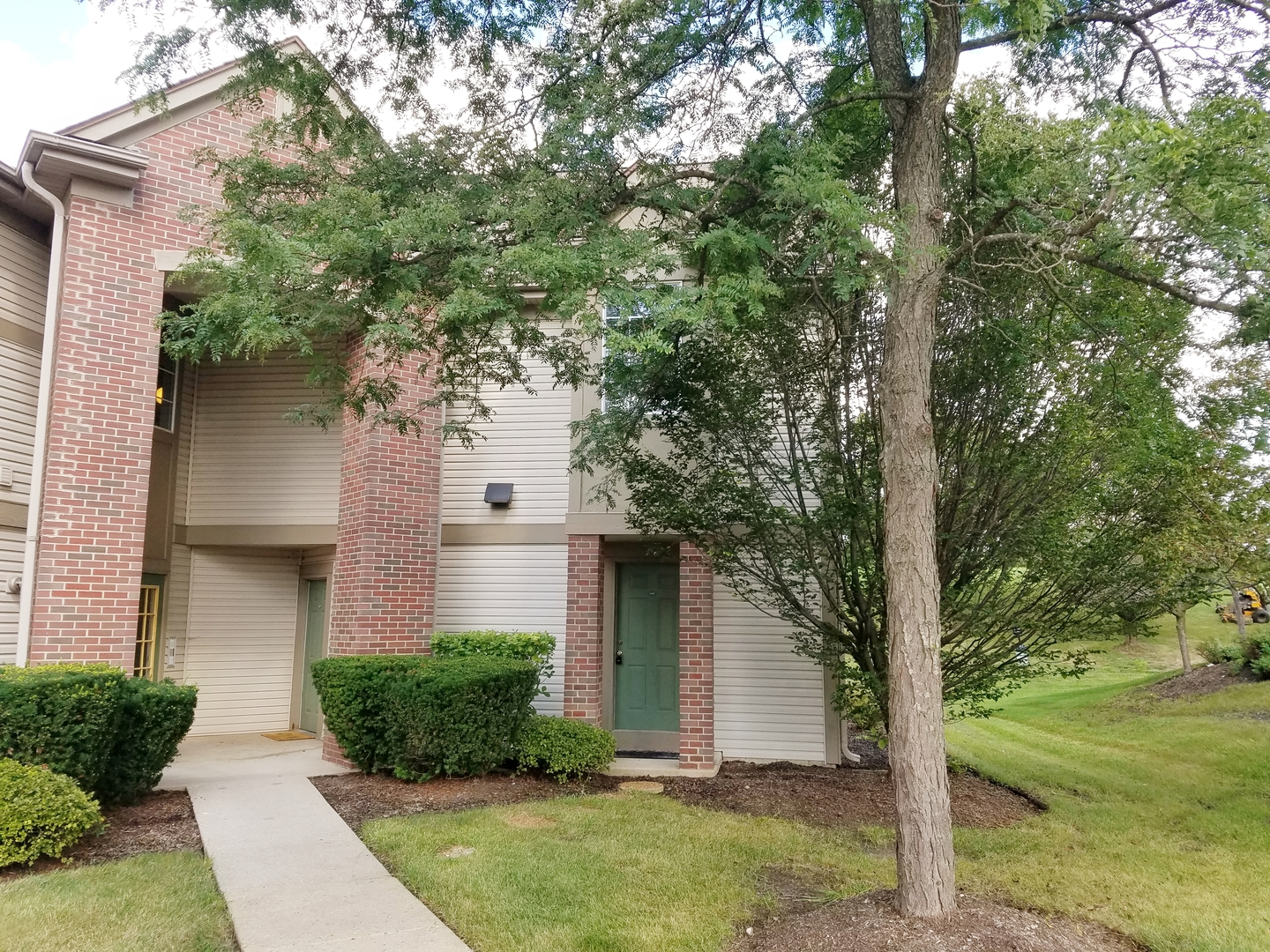 1640 Carlemont Drive, Crystal Lake in Mc Henry County, IL 60014 Home for Sale