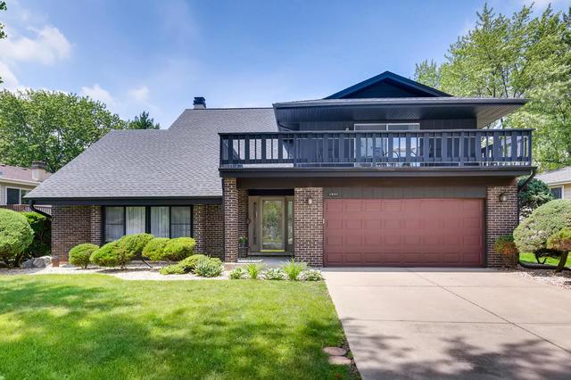 1544 Briarcliffe Boulevard, Wheaton, Illinois