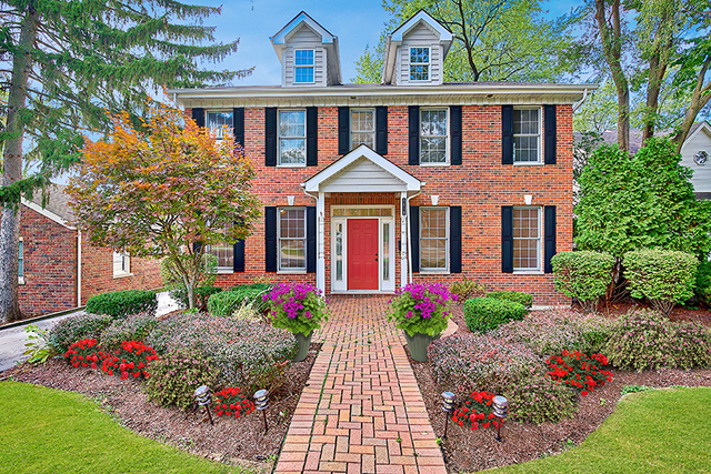 5618 HILLCREST Road, Downers Grove, Illinois