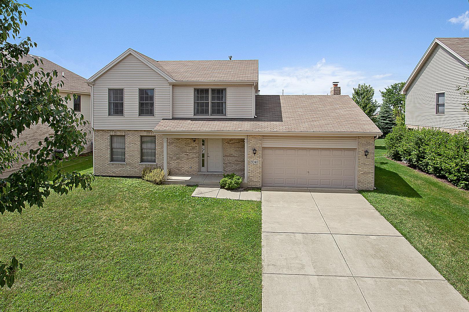 9240 Witham Lane, Woodridge, Illinois