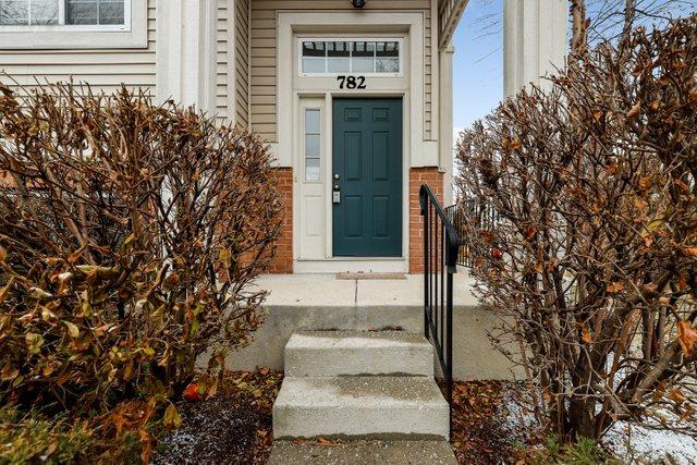 782 Hanbury Drive, Des Plaines, Illinois