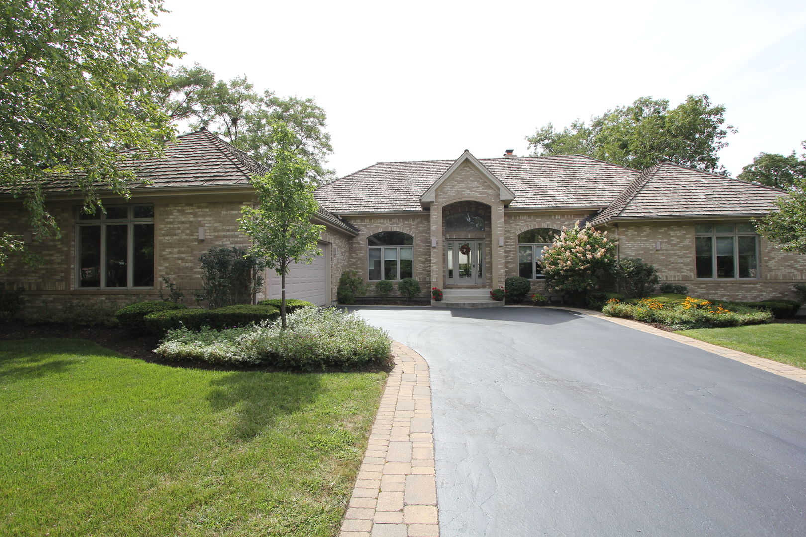 28799 North SPYGLASS Circle, Mundelein, Illinois