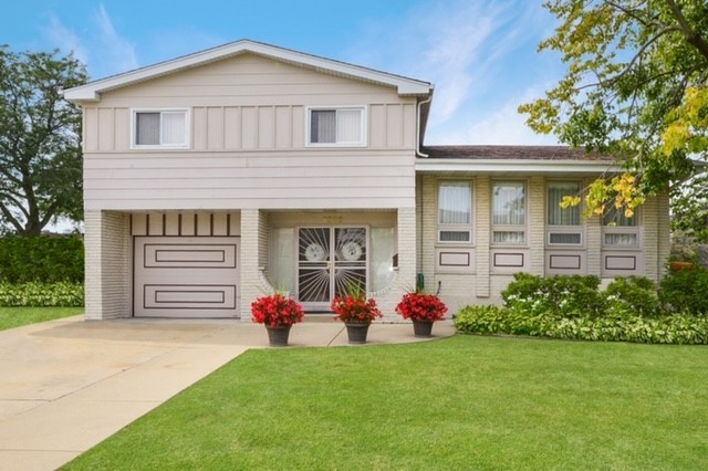 8329 Maynard Oval, one of homes for sale in Niles