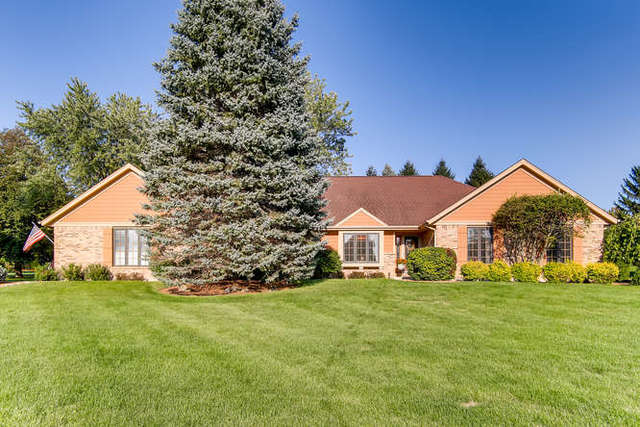 9N647 Hogan Hill, Elgin, Illinois
