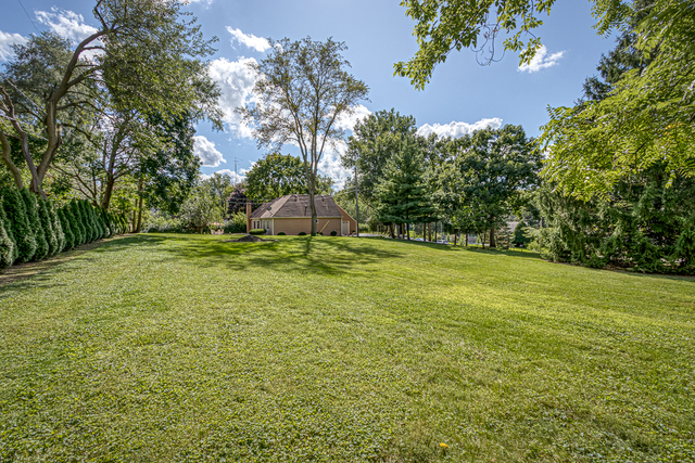 23181 South Lakewood Lane, one of homes for sale in Lake Zurich