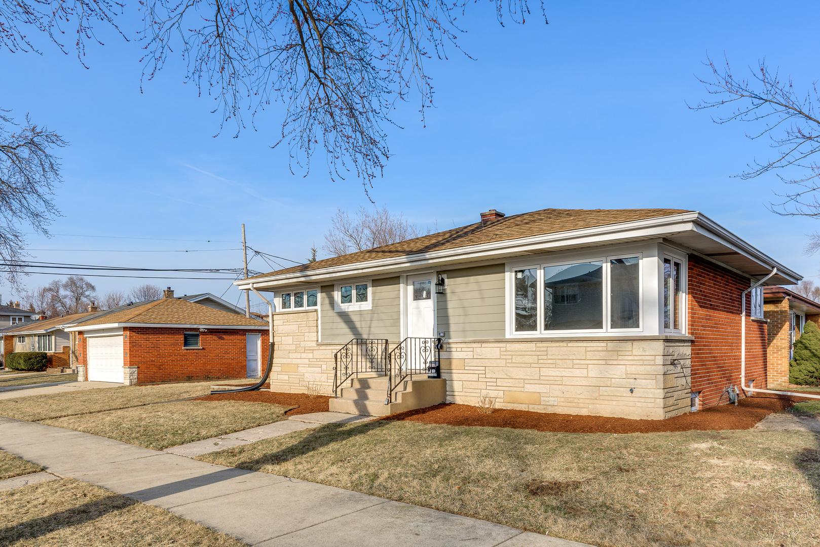 7076 West Birchwood Avenue, Niles, Illinois