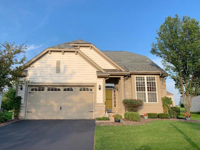 806 Colchester Drive, Oswego, Illinois