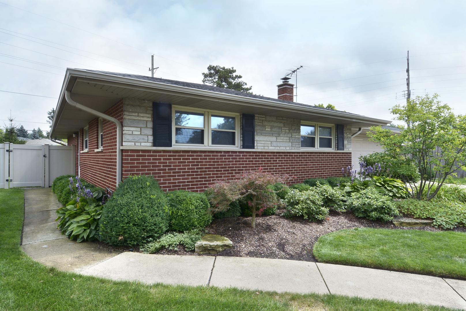775 Shawn Lane, Des Plaines, Illinois