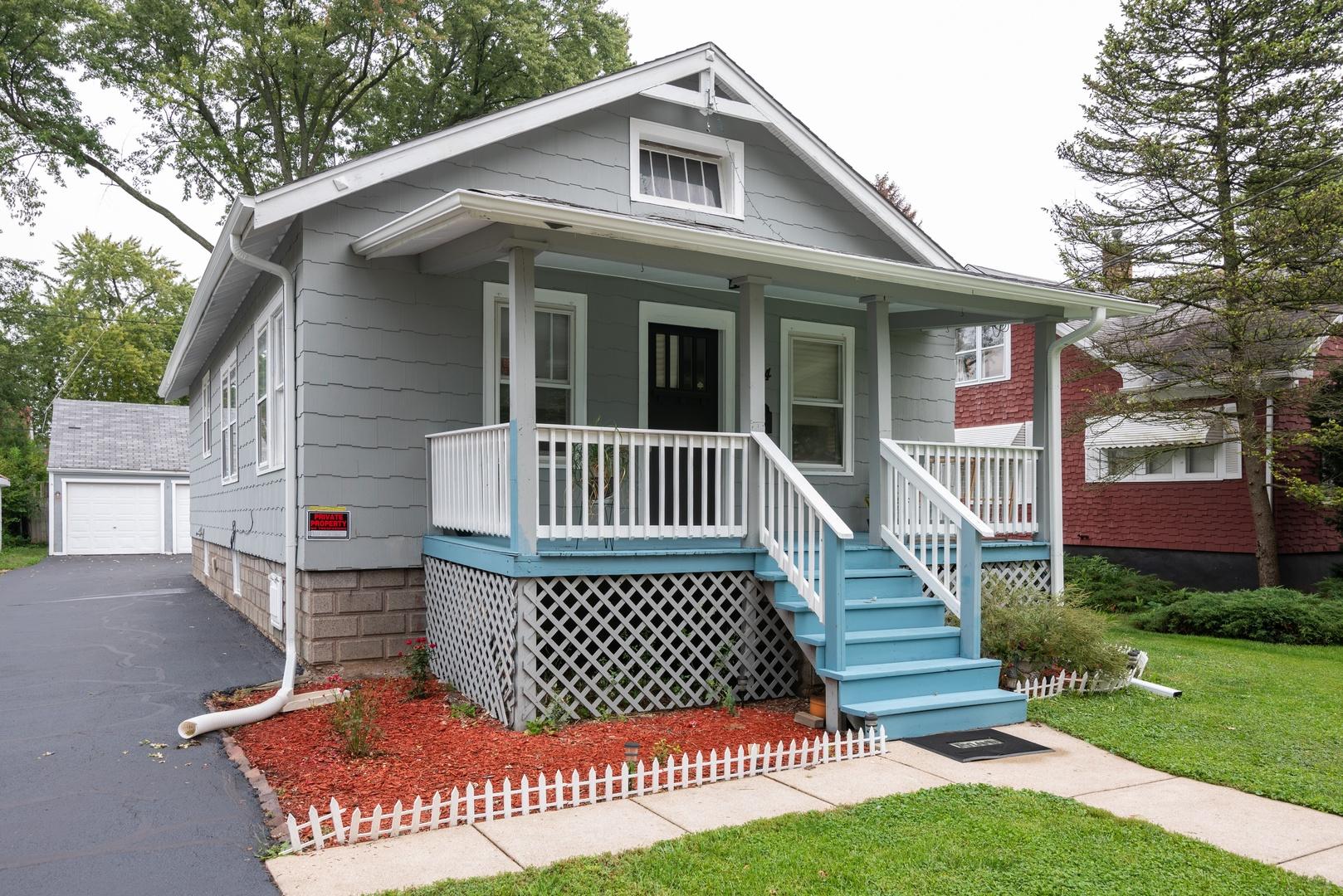 624 COOPER Avenue, Elgin, Illinois