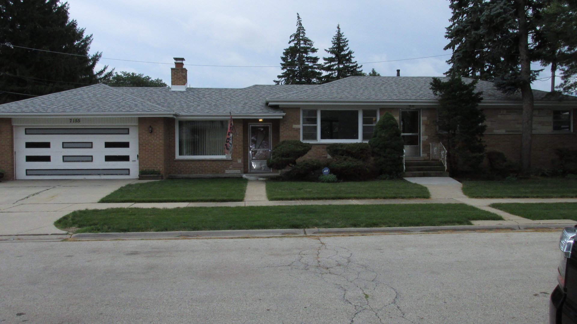 7155 West Lee Street, Niles, Illinois