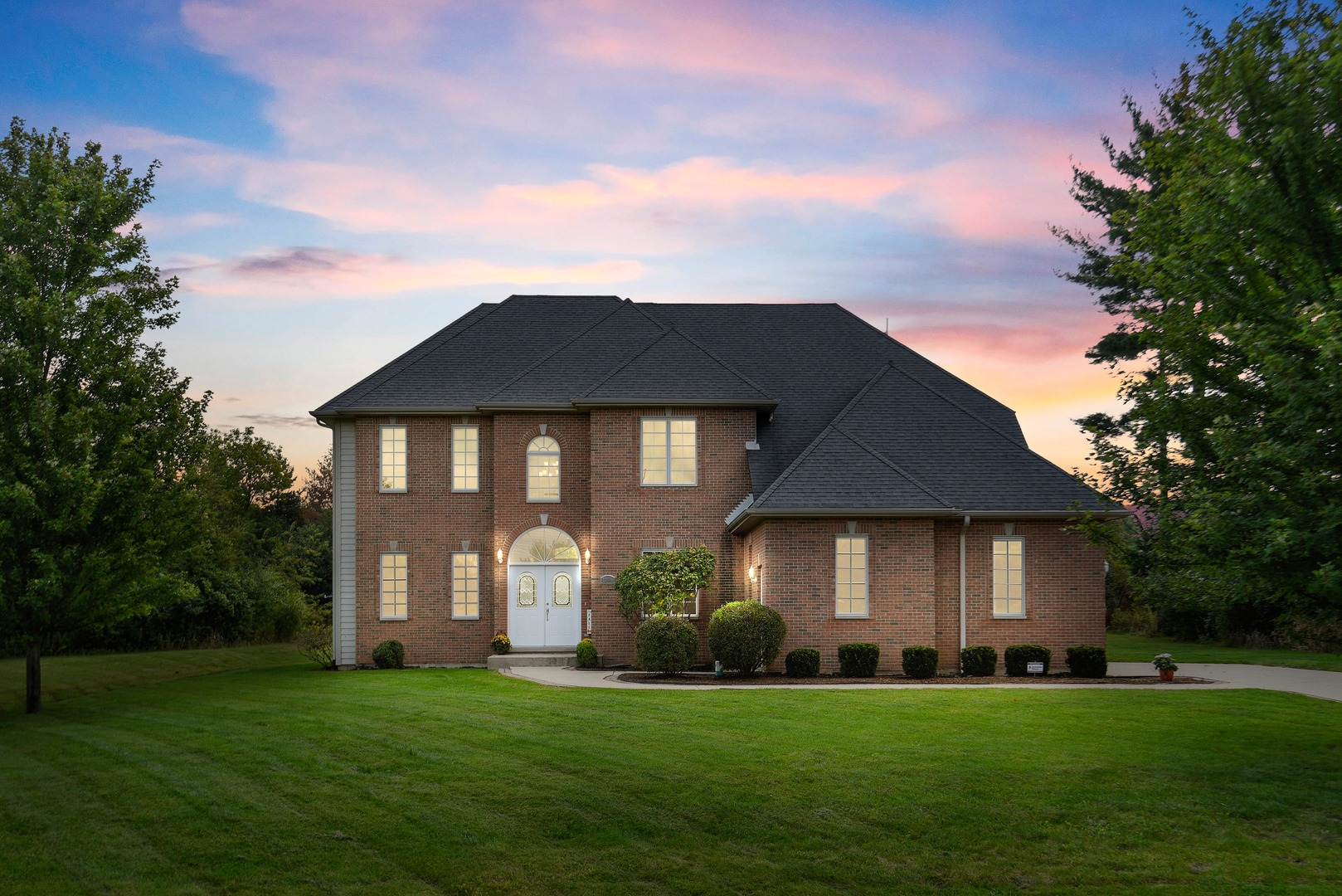 8208 Redtail Drive, Crystal Lake, Illinois
