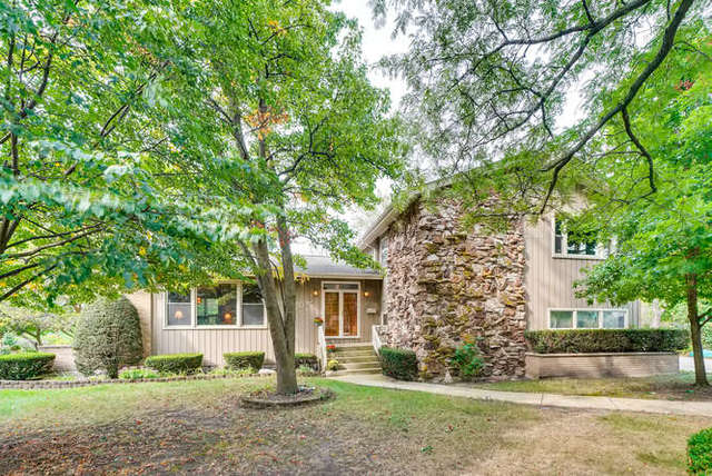 1032 62nd Court, Downers Grove, Illinois