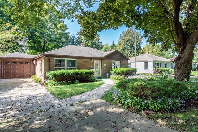 605 Riverside Drive, Libertyville, Illinois